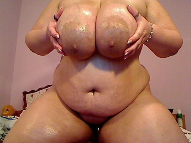 BBWNYMPHO69 ready to smother you with her fluffy fat tits